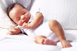 Baby schlafend Kissen