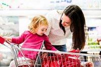 Mutter Kind Einkauf iStock RapidEye