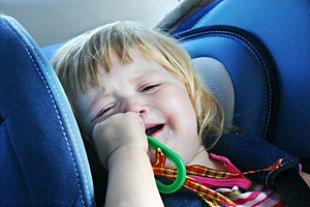 Kind Autositz weint iStock Jan Otto