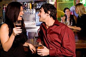 Mann Und Frau, Die Im Hotelstab Flirten Stockbild - Bild: 16976231