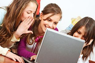 Maedchen Laptop Chat
