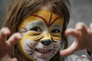 Kind Karneval geschminkt Loewe panther Gunnar Eden