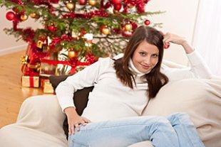 Frau entspannt Weihnachten