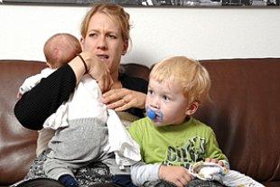 Mutter Stress zwei Kinder