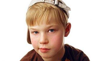 Junge mit Kappe panther M Stejskalova