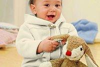 Baby mit Biohase hessnatur
