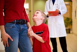 Kind Mutter Arzt Schule