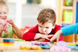 Kind traurig Kindergarten