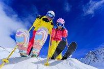 Mädchen Ski Abhang