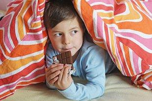 Junge Schokolade