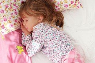Wieviel Schlaf brauchen Kinder