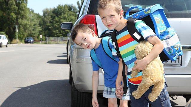 Kinder Schulweg Überbehütung Slider