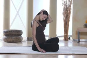 Schwangere Nackendehnung