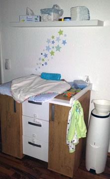 Wickeltisch im Kinderzimmer