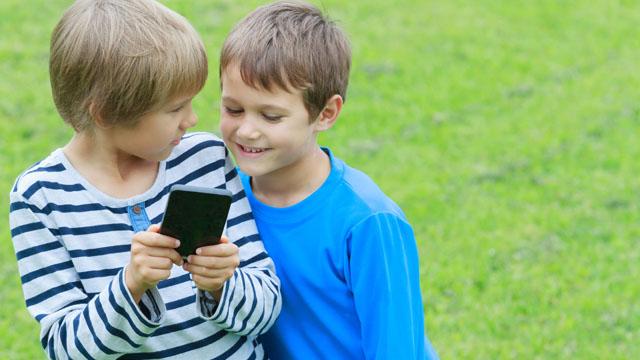 4. Streit um Papas Smartphone schlichten,