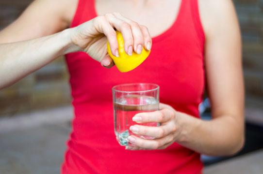 Schwämmchen mit Zitronensaft