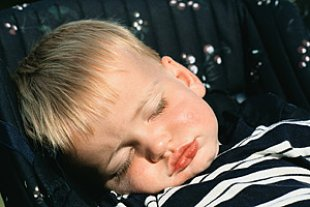 Kleinkind schlafend 2