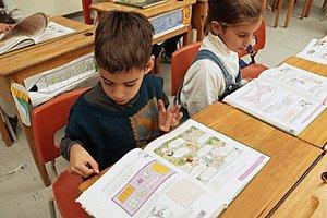 Schulkinder rechnen