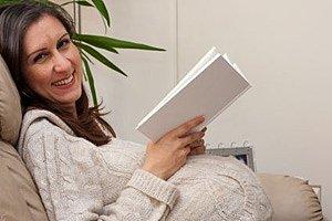 Schwangere lachend Buch
