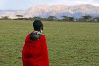 Masai Baby auf Ruecken