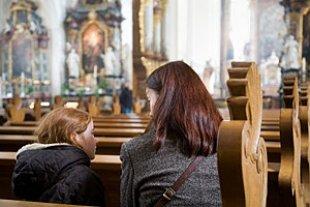 Mutter Kind Kirche Gespraech