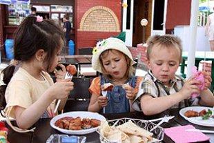 Kinder essen Restaurant