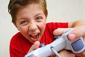 Junge Playstation iStock ManoAfrica