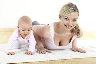Mutter Baby Gymnastik