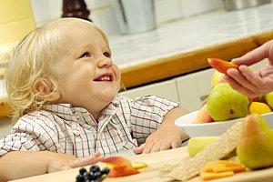 Kleinkind gesundes Essen