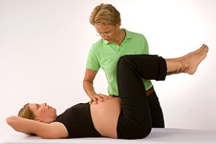 Schwangere Osteopathie Behandlung