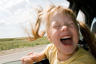 Mädchen Auto Fenster