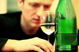 Mann Alkohol Glas