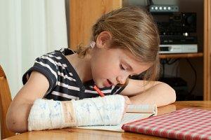 Kind Armbruch Hausaufgaben