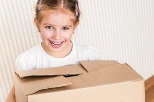 Mädchen Kiste