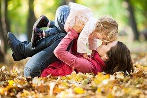 Mutter Kind Spielen Herbst