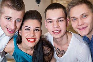 Gruppe Jugendliche, Tattoo