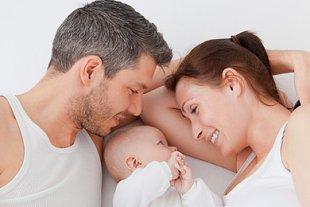 Paar Baby glücklich