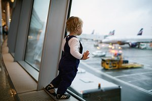 Kind Flughafen Urlaub