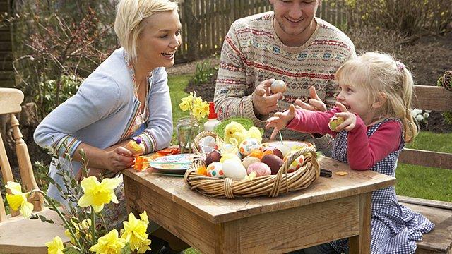 Familei Ostern Garten Slider