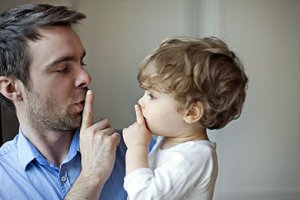 Gutes Benehmen Kind Vater