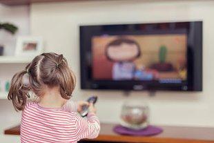 Mädchen fernsehen Altersfreigabe