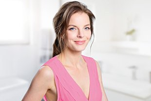 Markenbotschafterin Yvonne Catterfeld strahlt dank Q10