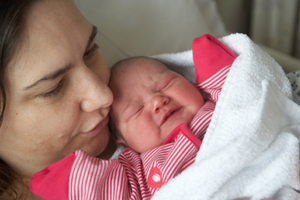 Frau Krankenhaus nach Geburt