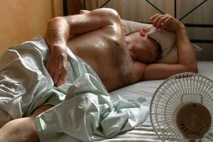Mann Bett nackt