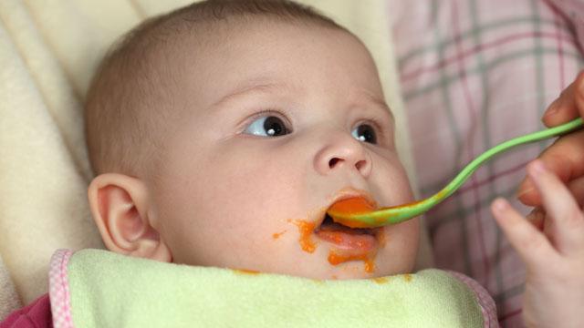 ab wann darf ein baby brei essen. Black Bedroom Furniture Sets. Home Design Ideas