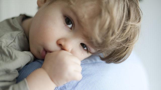 25. Das schreiende Kind hochnehmen