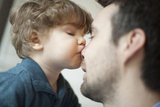 Ein Kuss für Papas Nase